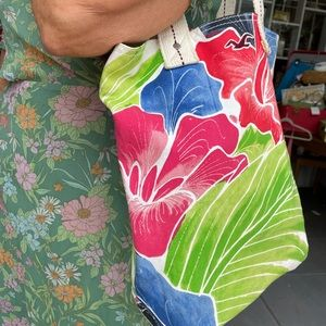 Hollister canvas book or beach tote ~ just in
